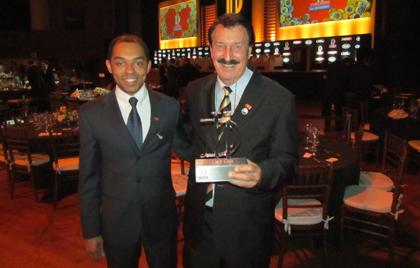 Bruno Lessa e Milton Bigucci durante a premiação